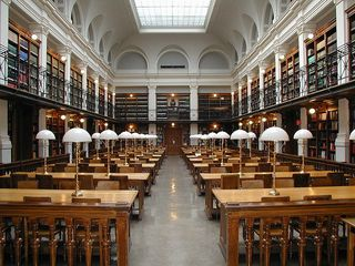 800px-Graz_University-Library_reading-room
